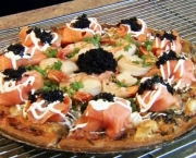 Pizza de Caviar (2)